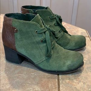 Leather Distressed ankle boot bootie naturalizer